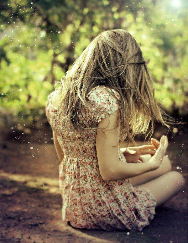 Картинка на аву вконтакте девушка со спины