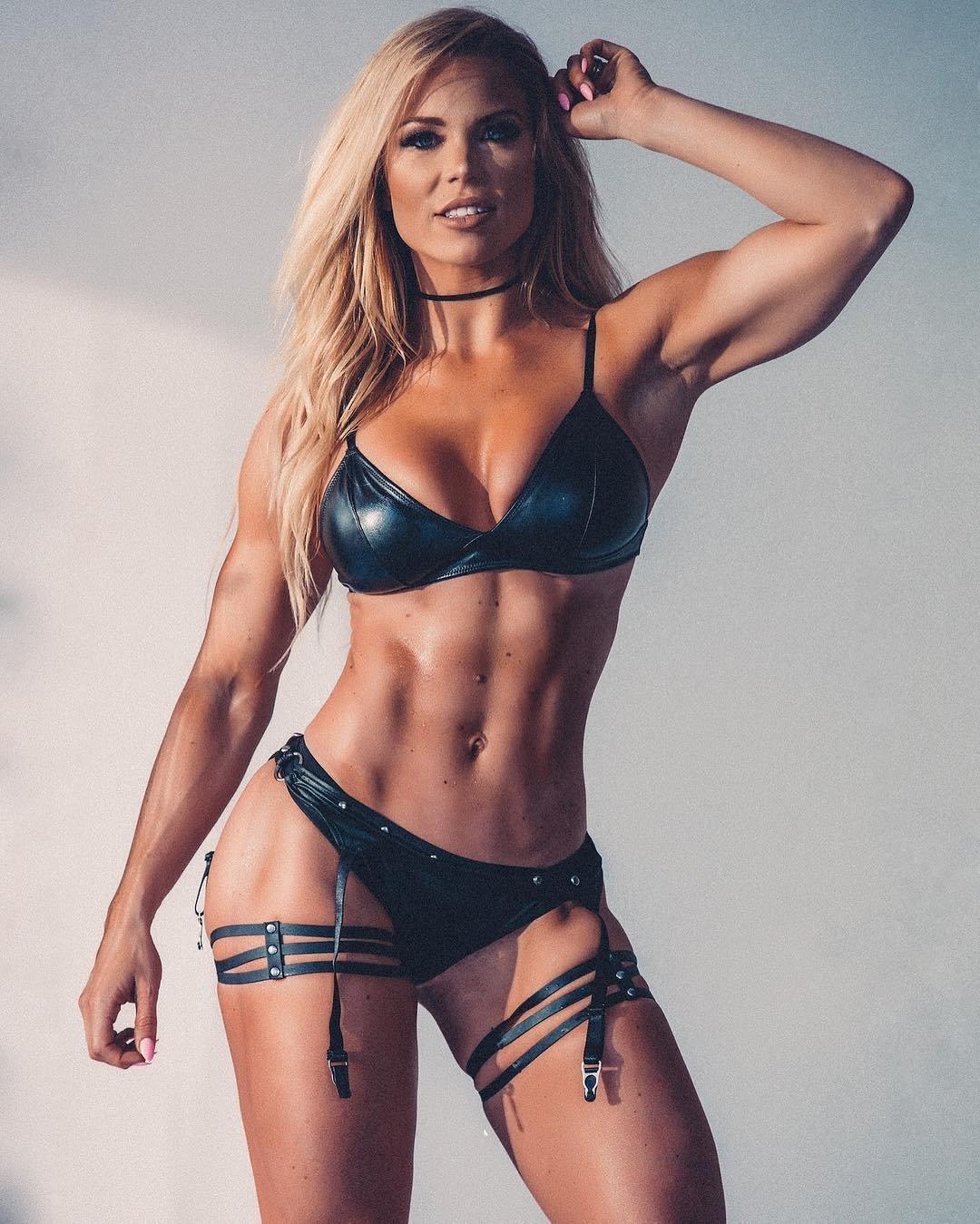 другие самые красивые фитнес модели фото купить
