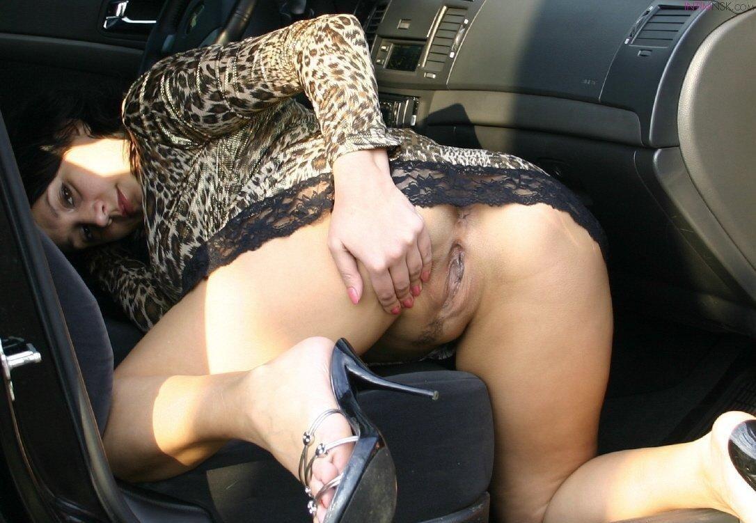 Проститутки без трусов фото