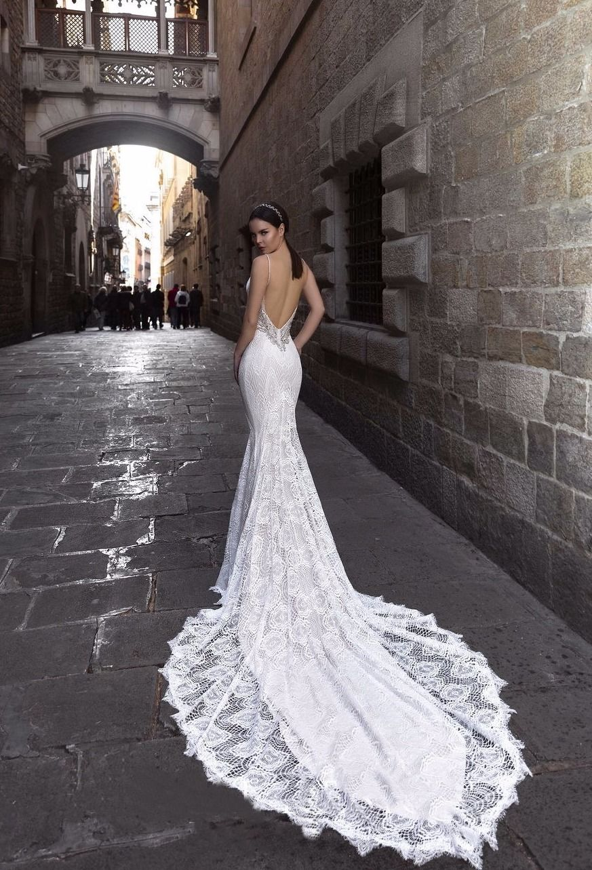 32d51c15a88 Свадебные Платья Со Шлейфом И Открытой Спиной Фото