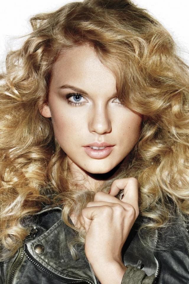 этот скромный красивые девушки блондинка с волнистыми волосами губки, лёг