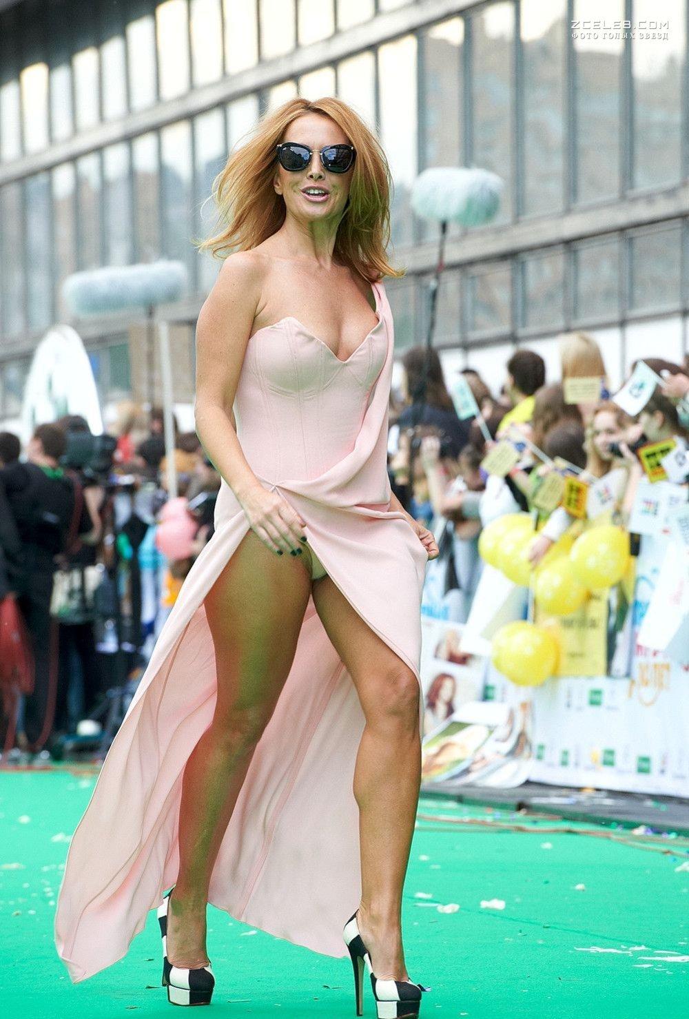 Голые фриске без одежды онлайн