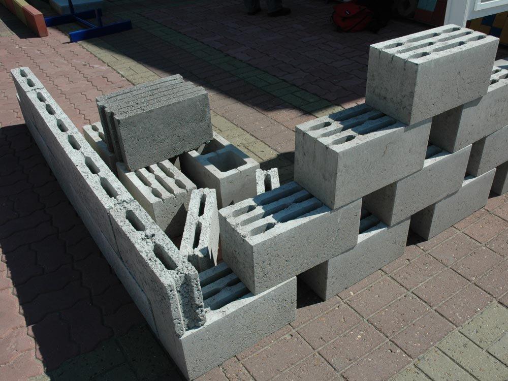 дом из цементных блоков