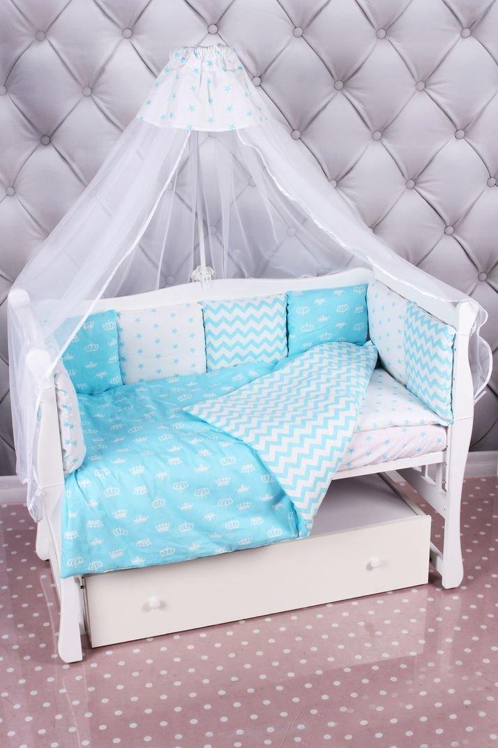 Комплект в детскую кроватку для новорожденных.