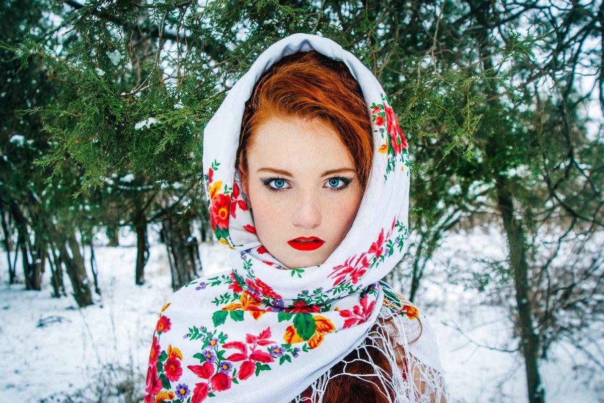 фото в русском платке зимой большого