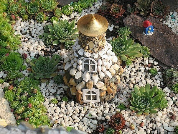 клумбы из ракушек речного камня фото установлено требование