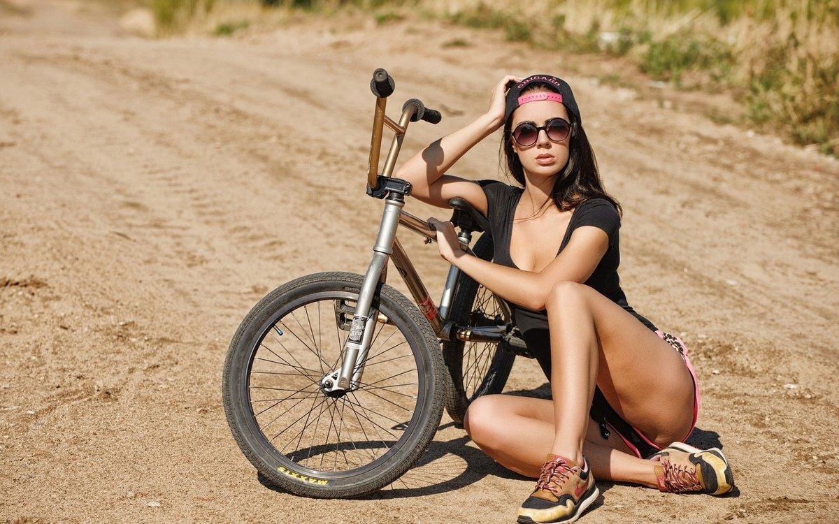 Порно телки на велосипеде