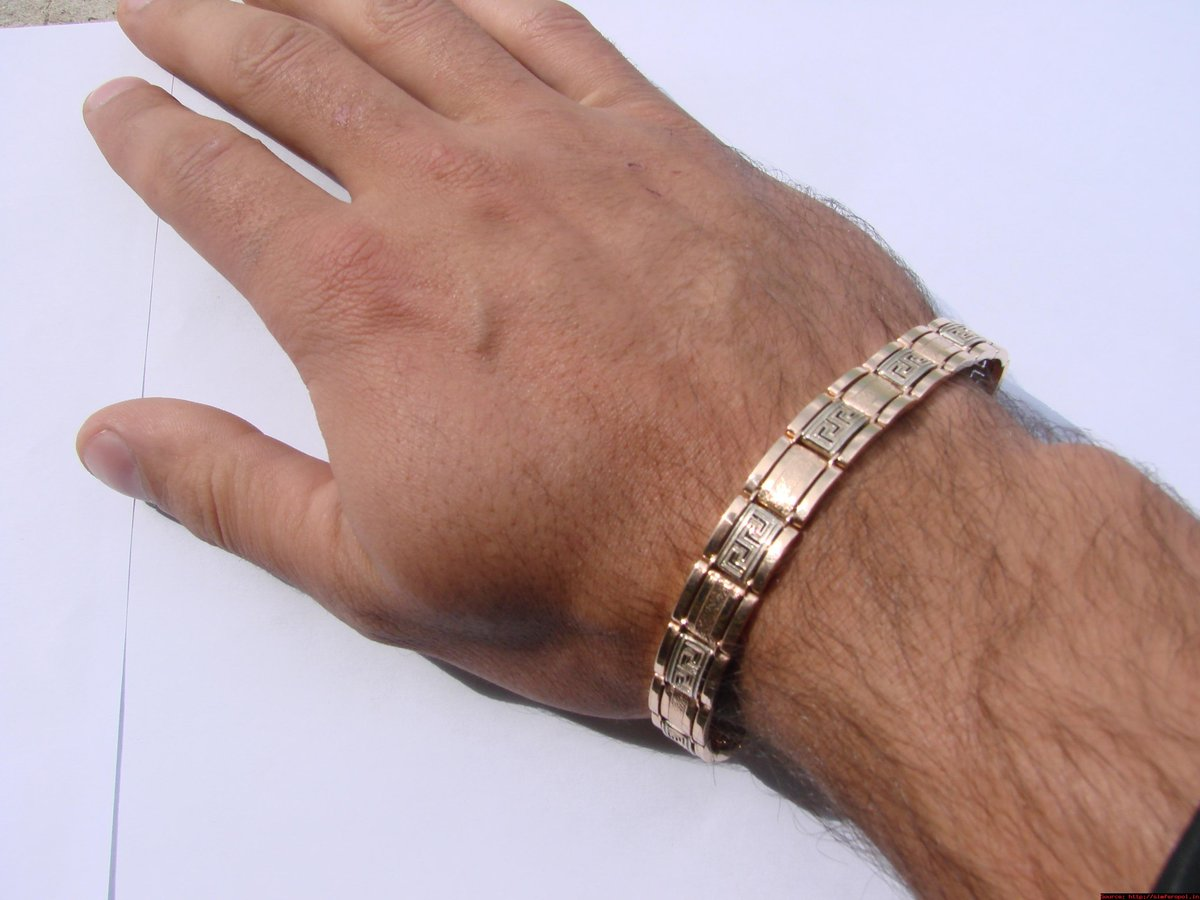 мужской золотой браслет на руку тирпиц фото парке есть