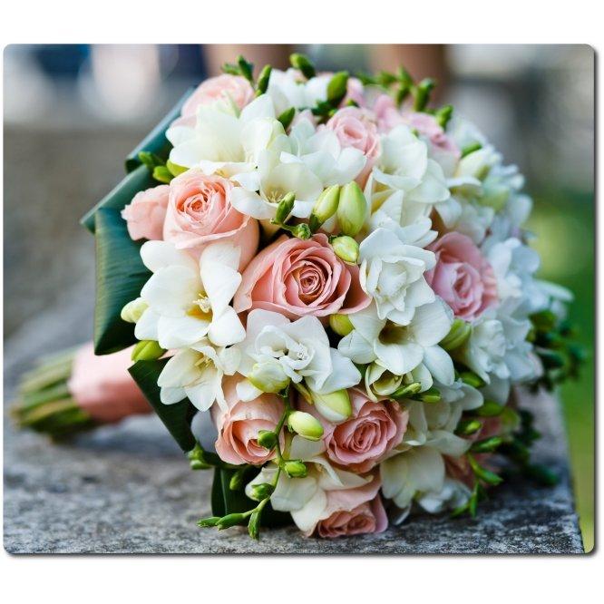 Свадебные букеты из белых и розовых роз, цветов чита