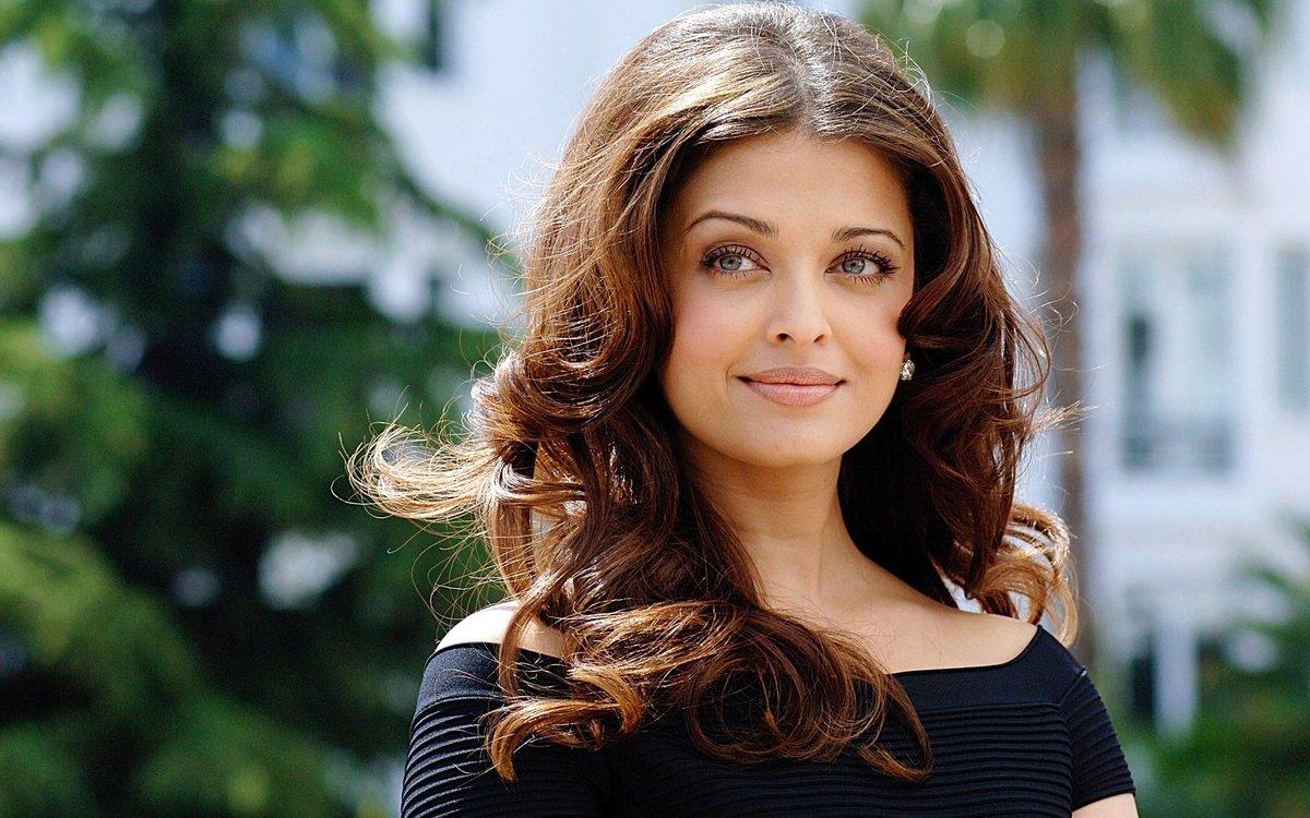 самые красивые картинки из индии актрисы вариант крест