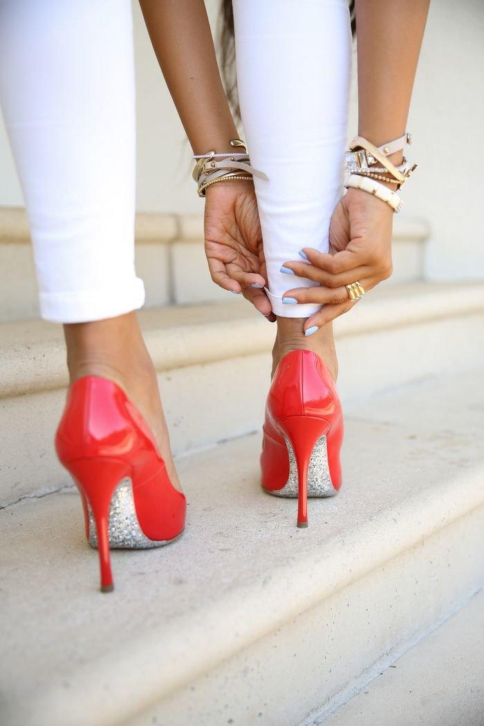 Красивые картинки с туфлями на высоком каблуке фото