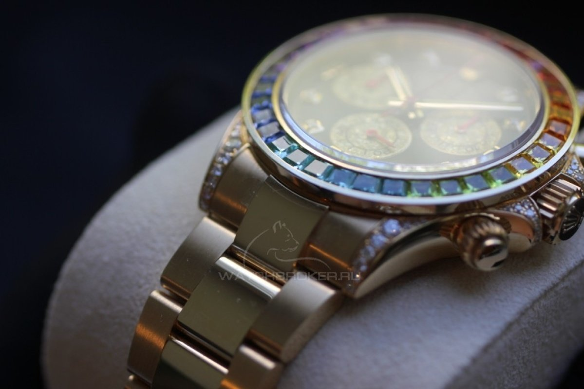 Претенциозная корона на логотипе, сверкающий циферблат, утонченный и элегантный корпус, обилие надписей с описанием достоинств часов - все это легендарный rolex, символ богатства и процветания.