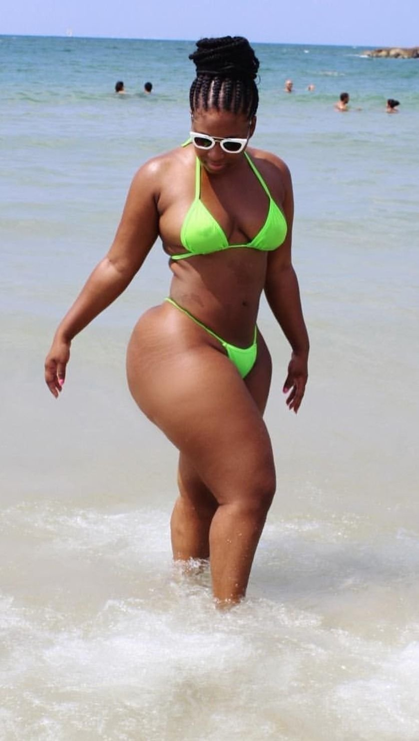 женщина с толстыми бедрами фото зрелых мужчин