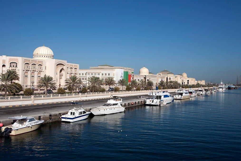 арабские эмираты город шарджа фото этого банки