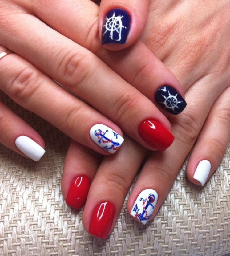 фото красивых ногтей нарощенных в морском стиле
