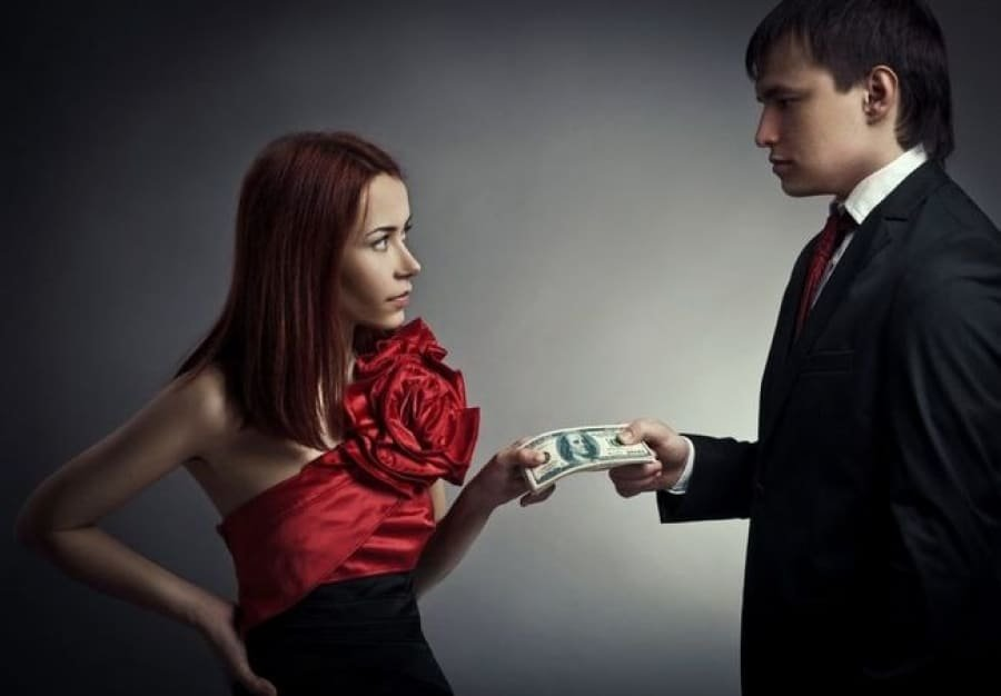Жена за деньги фото порно югах фото
