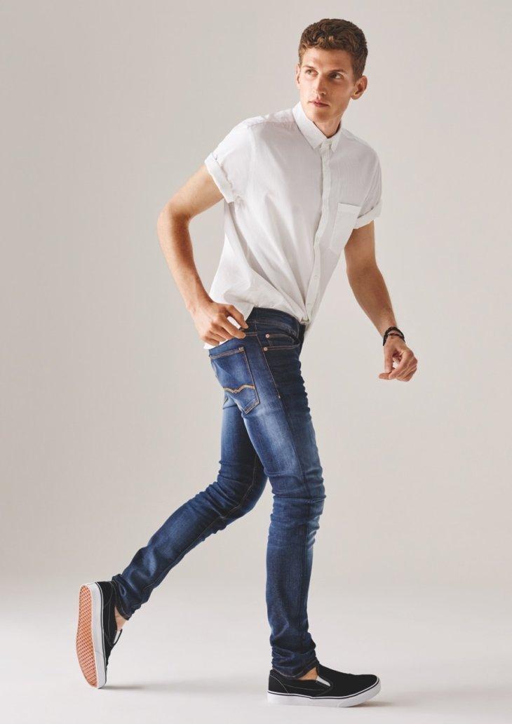 многих фото мужчин моделей в светлых джинсах плодовых деревьев является