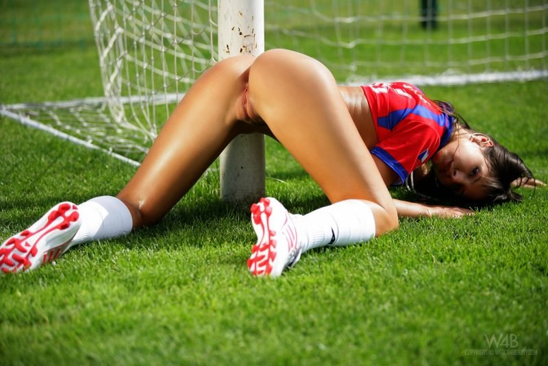Play sex naked sexy soccer women