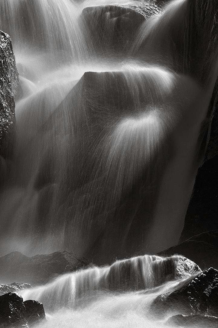 Черные камни в махачкале поселок фото