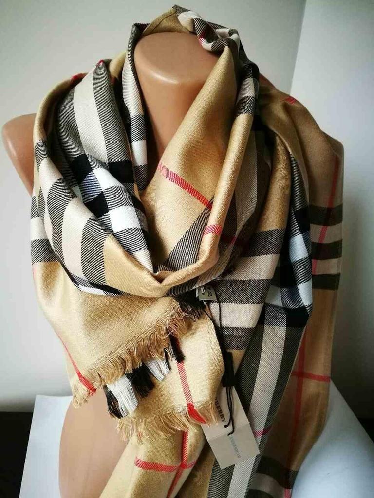 e156d715aa1f Женские платки BURBERRY. Женские шарфы купить от руб в Официальный сайт 📌  http