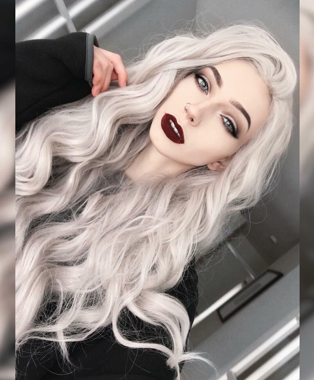 Девушки с серыми волосами фото