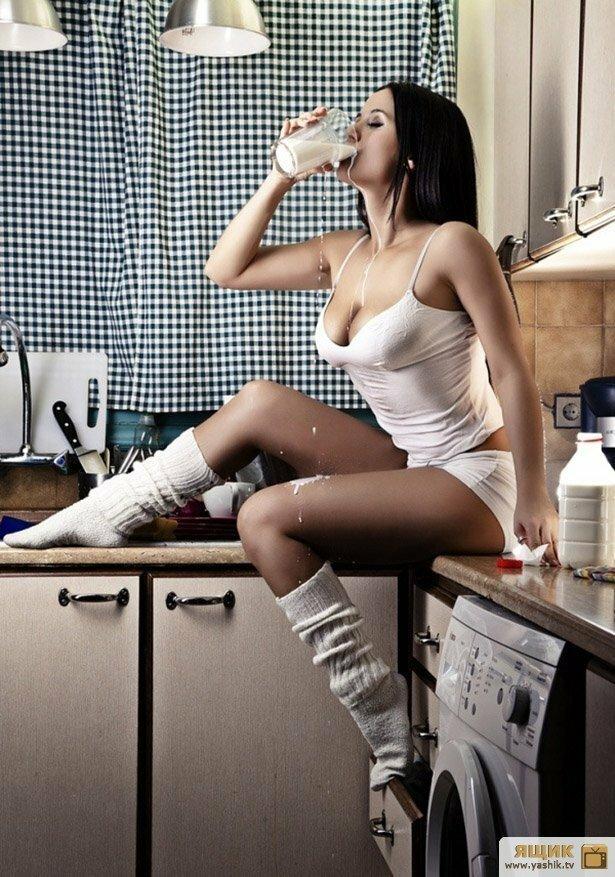 Картинки девушка на кухне