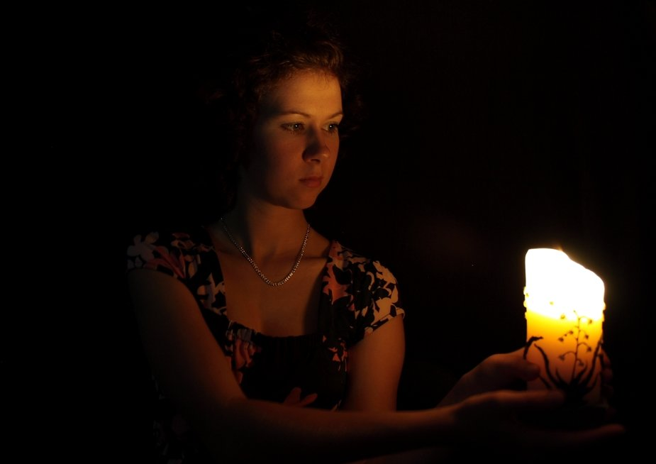 приворот девушки по фото со свечами