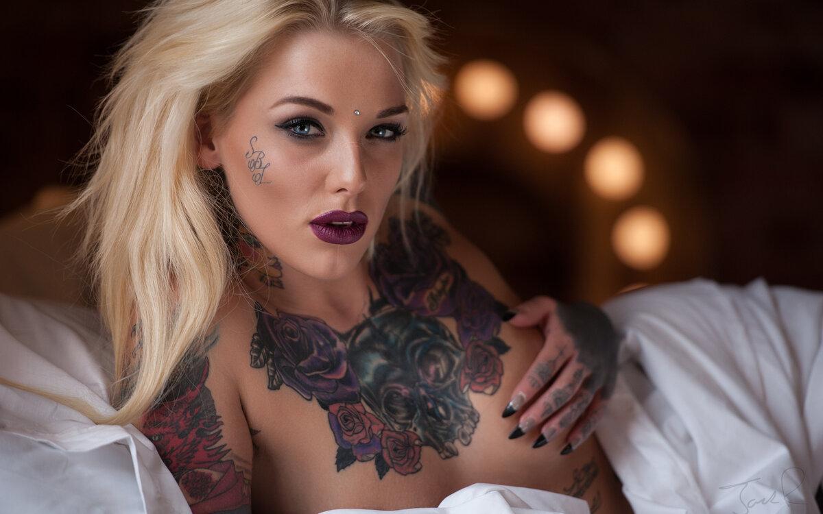tattooed-girls-video-beautiful-girl-self-shot-sex
