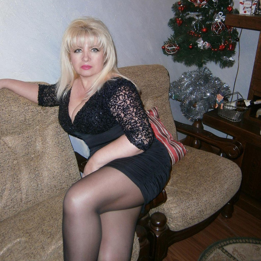 фотографии голых русская полная домашнее она она