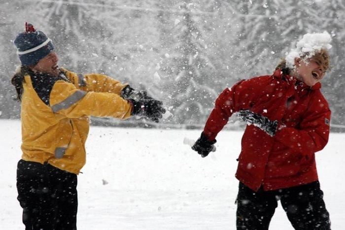 Мастеров, игра в снежки картинки прикольные