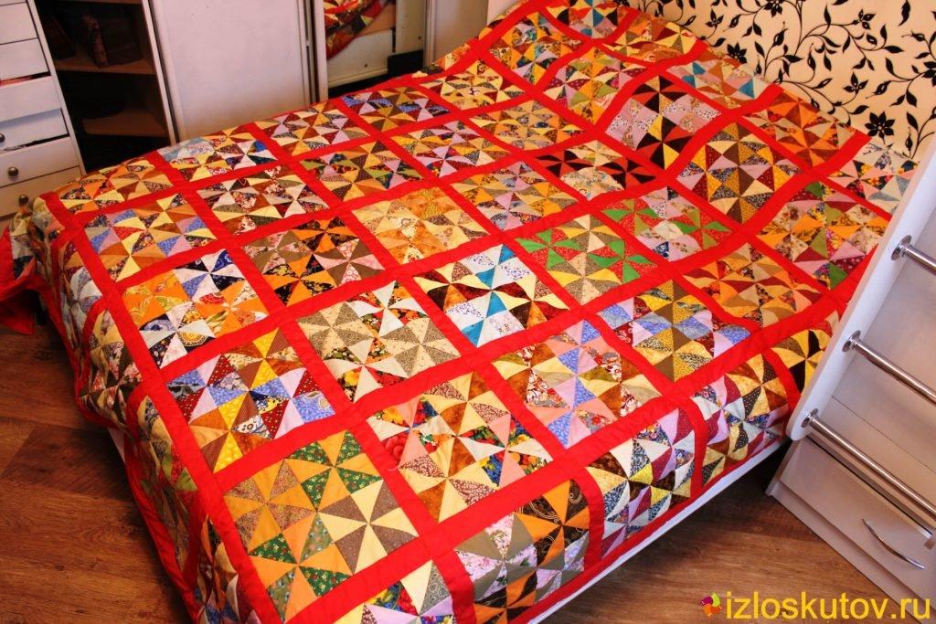Ткань в виде лоскутного одеяла фото
