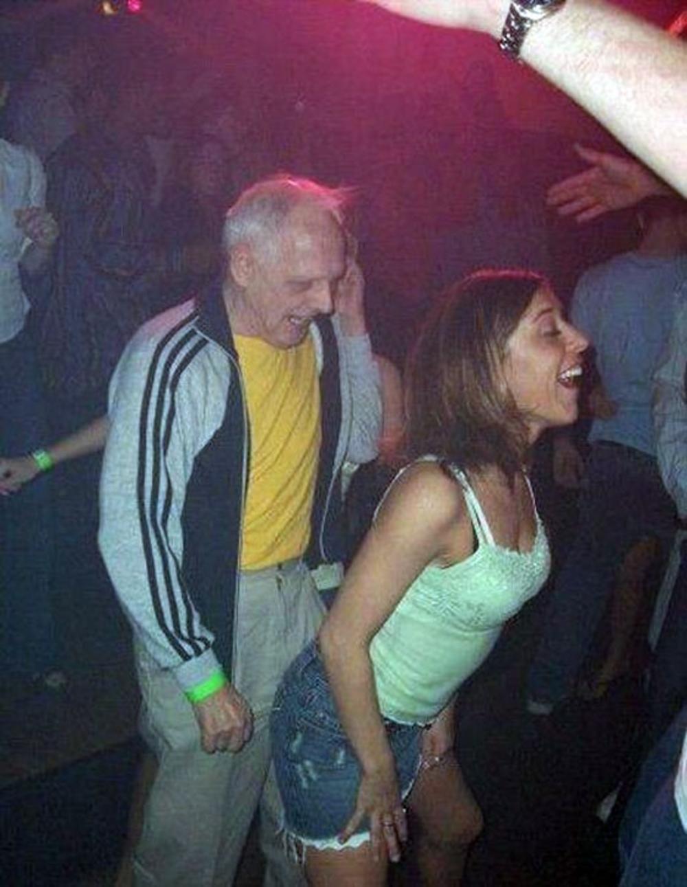 После Жарких Танцев, Пьяные Девушки Жёстко Прыгали На Членах Парней Смотреть