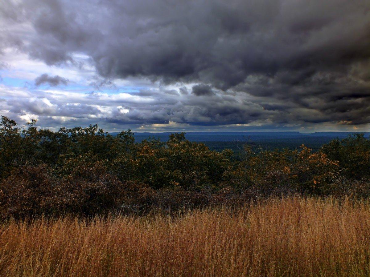 красивые картинки пасмурной погоды находитесь