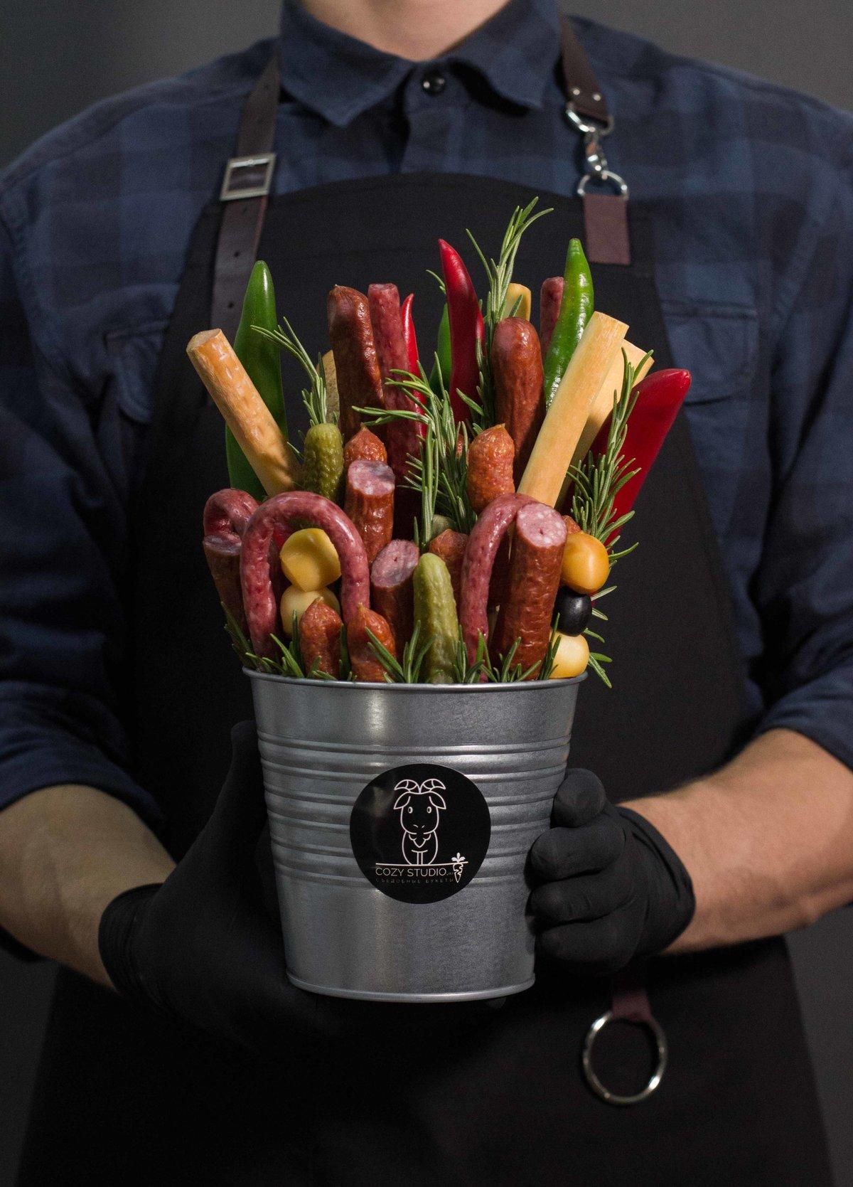 Продажа цветы, вкусный мужской букет своими руками