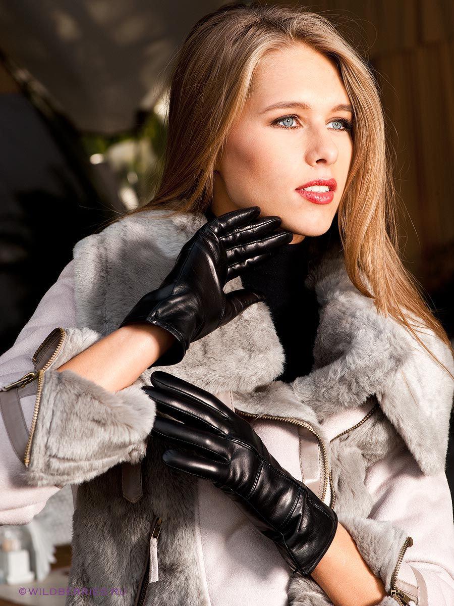 Видео классного женщина врач в кожаных перчатках член