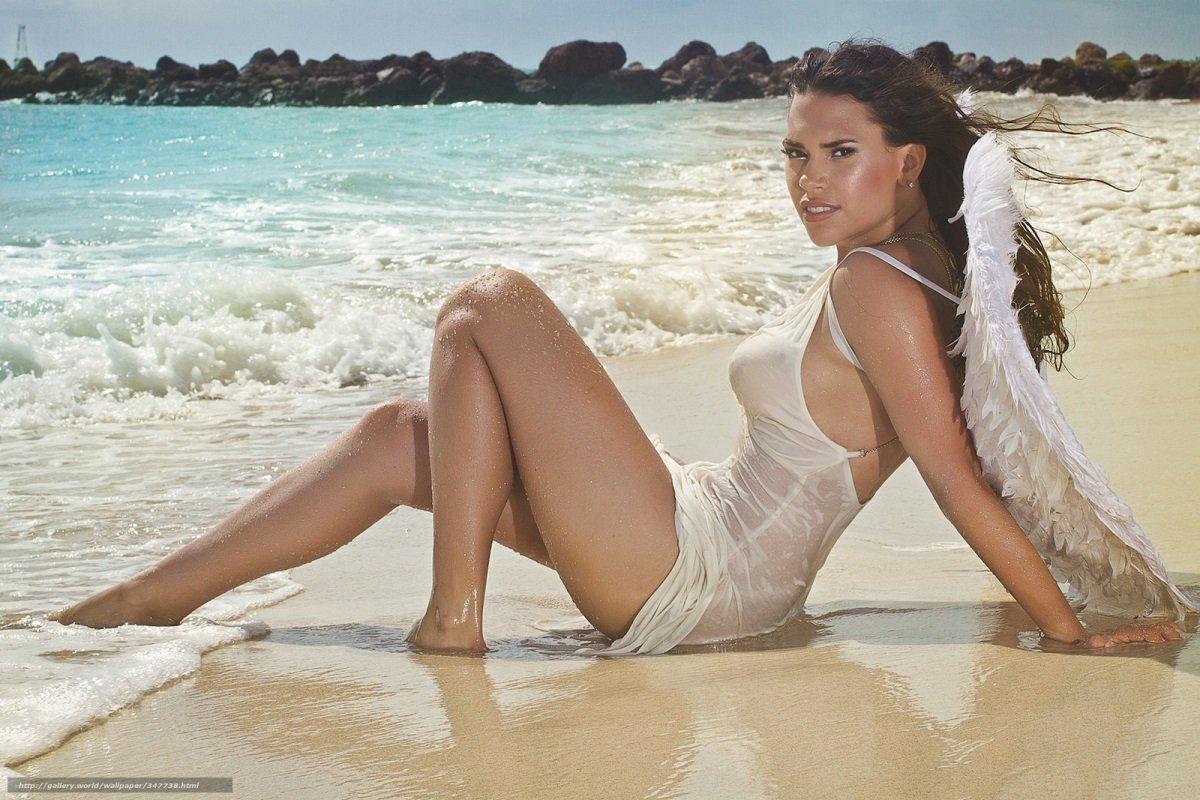 Фотографии девушек на диком пляже 1
