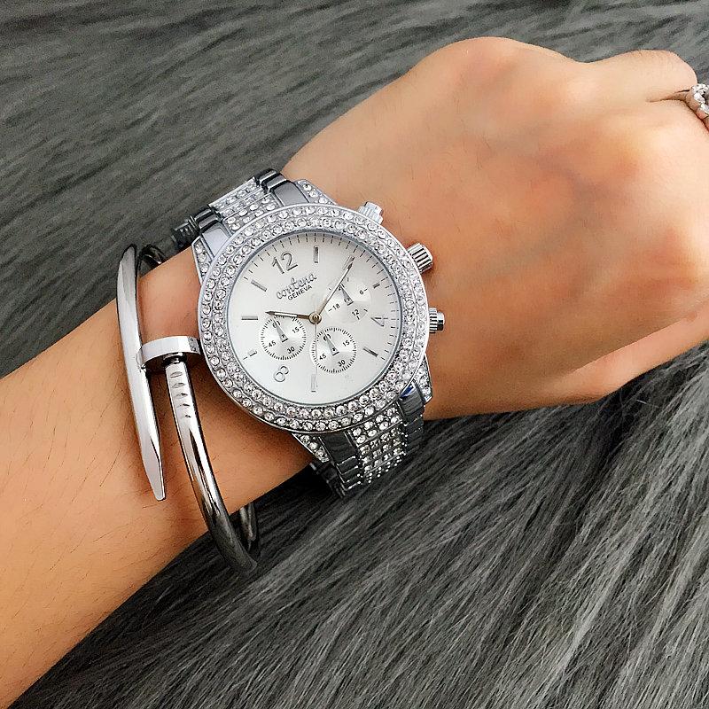 модные женские часы фото на руке