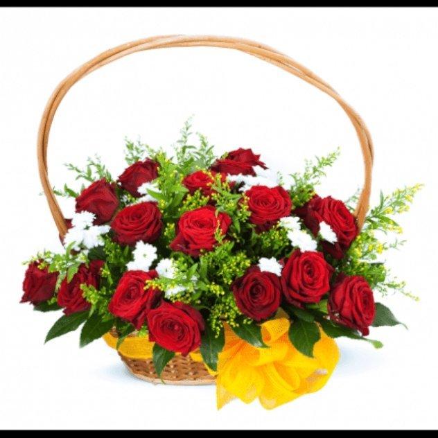 Цветы розы в корзинах фото