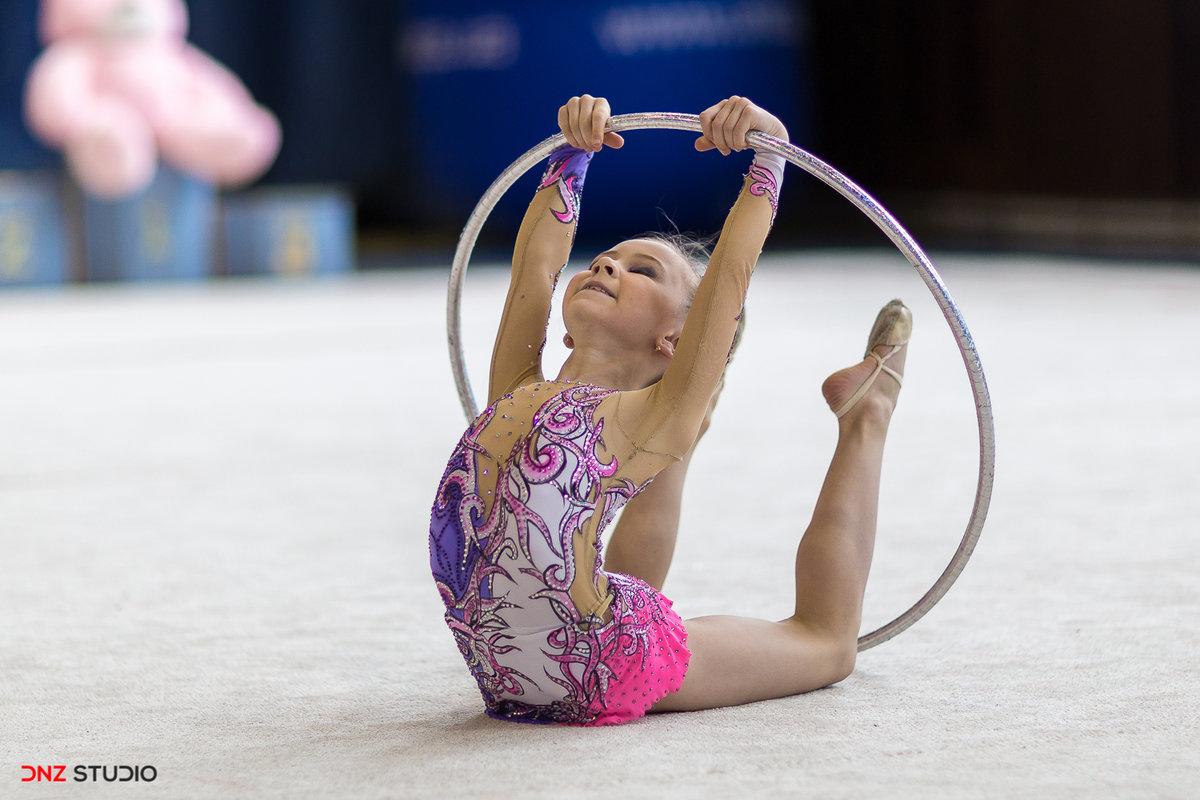 картинки про спорт гимнастика подобранный цвет