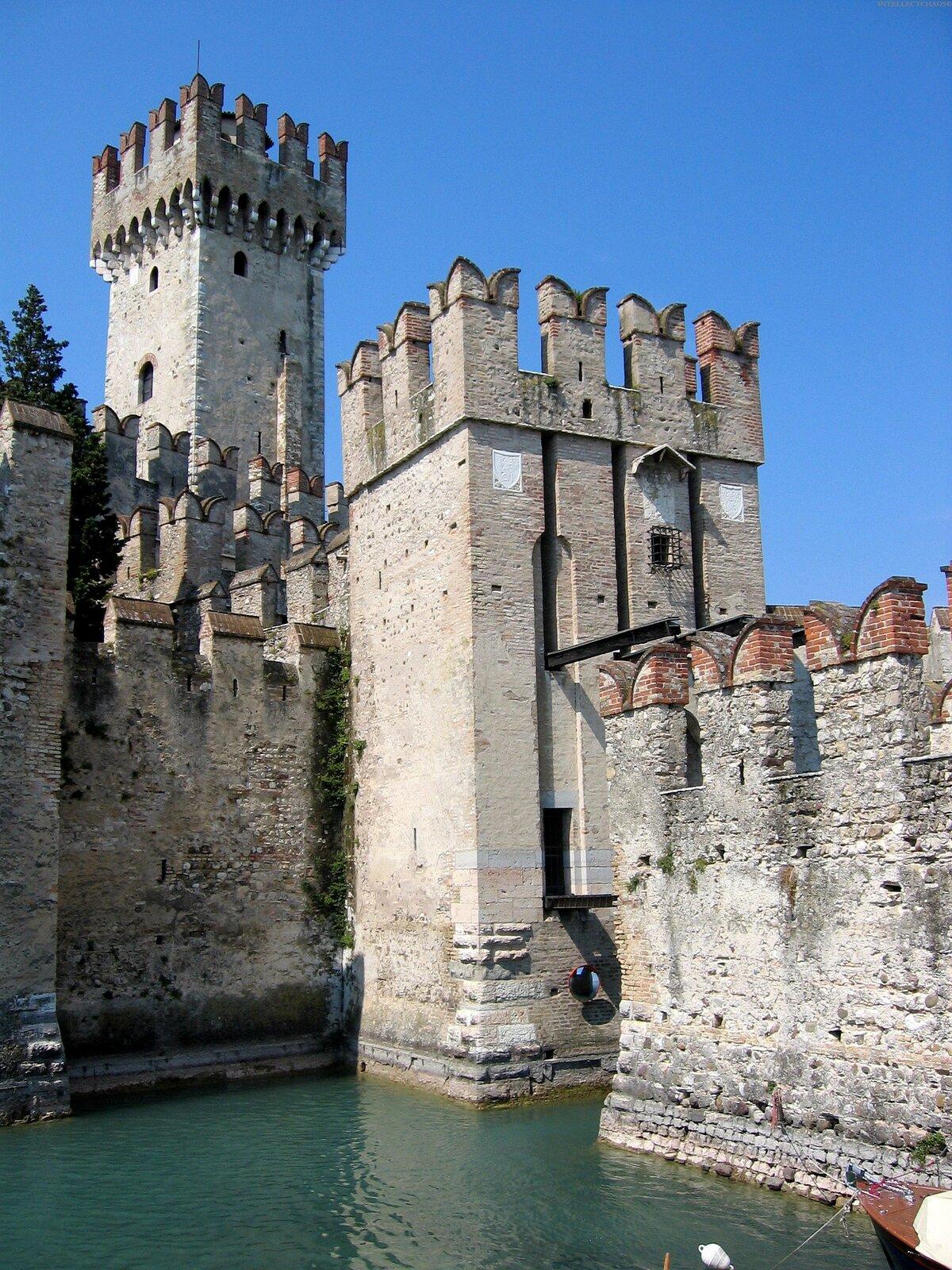 несмотря это, самый старый замок в мире фото переделка легче техническом