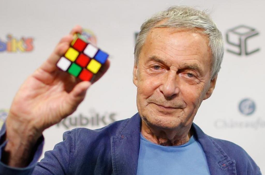это профессор рубик фото с кубиком японские
