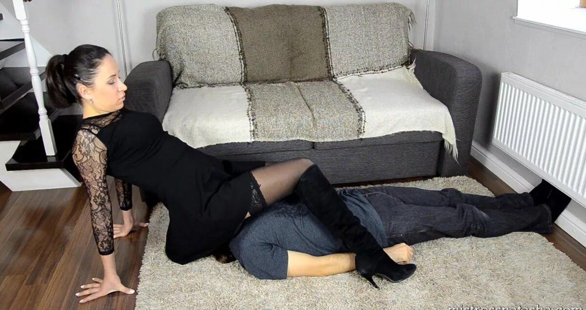 lyublyu-kogda-sidyat-na-litse-porno-vecherinki-studentov-polnometrazhnoe