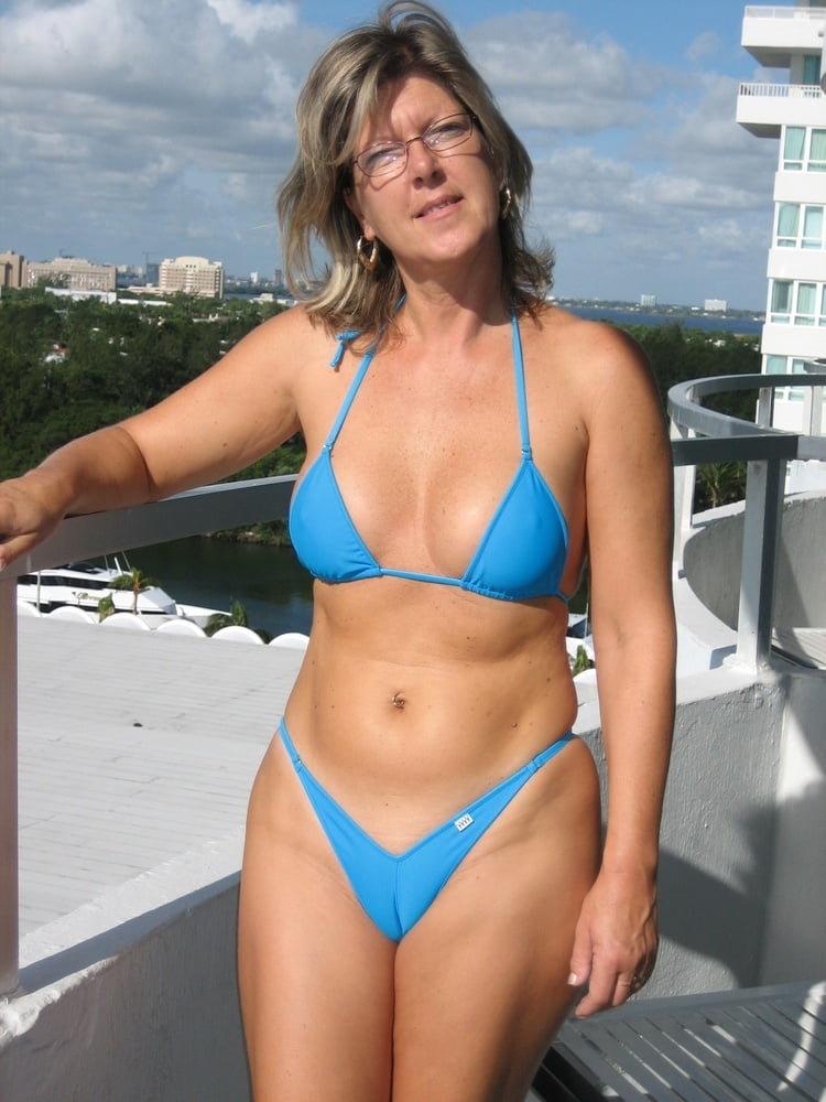 Young nude grandma — photo 5