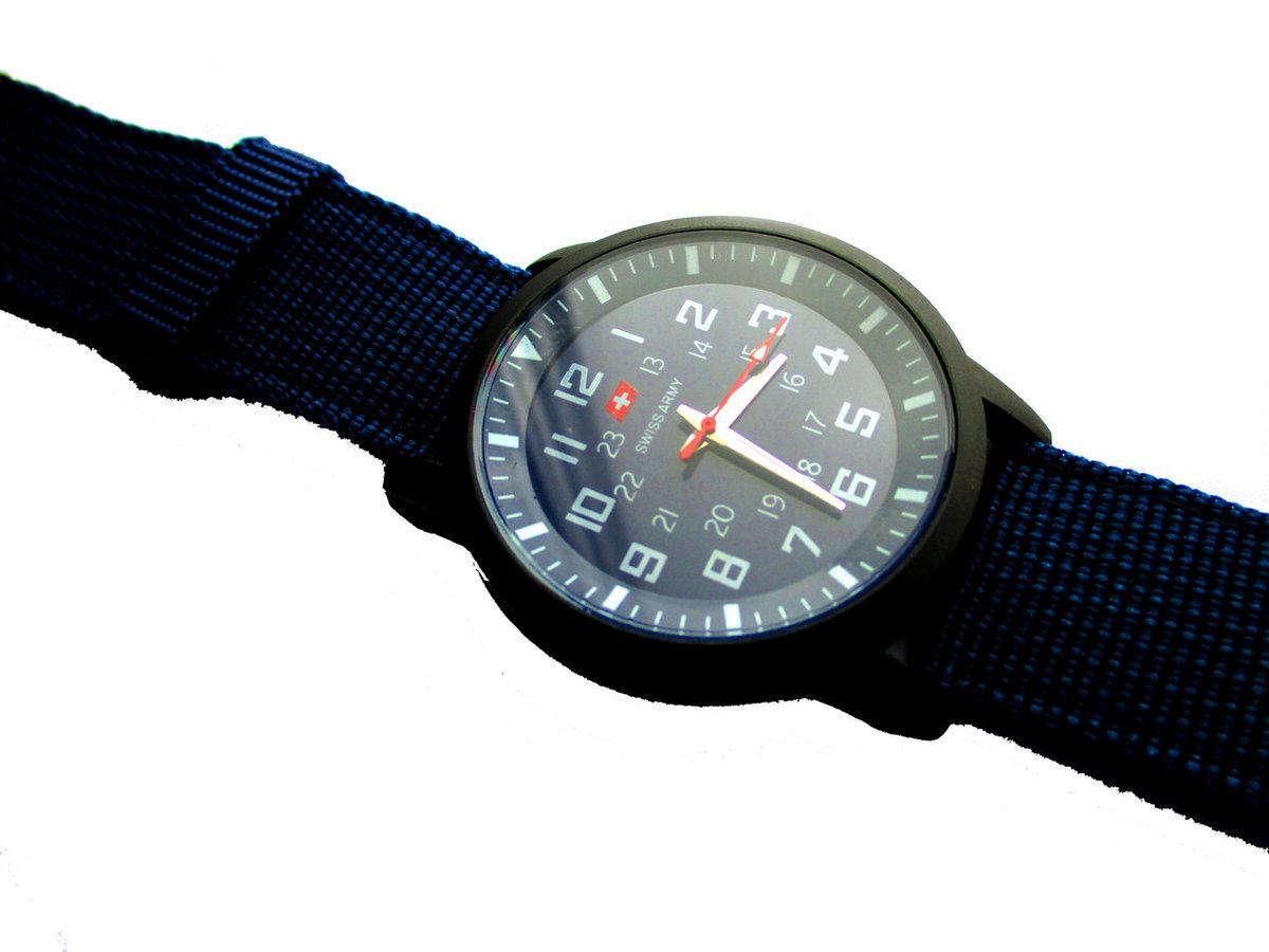 Вы можете купить армейские часы swiss army с доставкой по всей россии: в этом разделе вы можете узнать стоимость международной доставки.