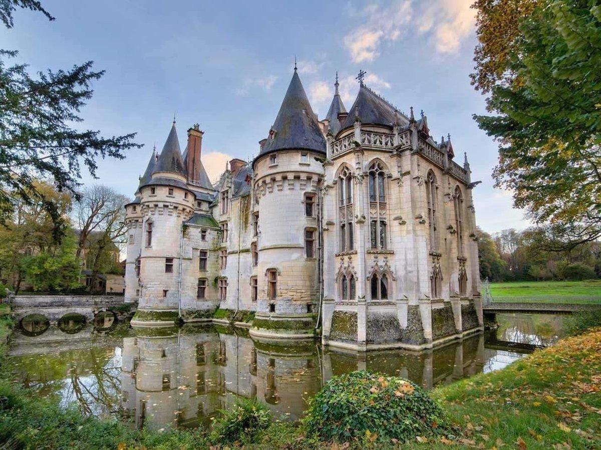 после дворцы замки мира с описанием и фото только время