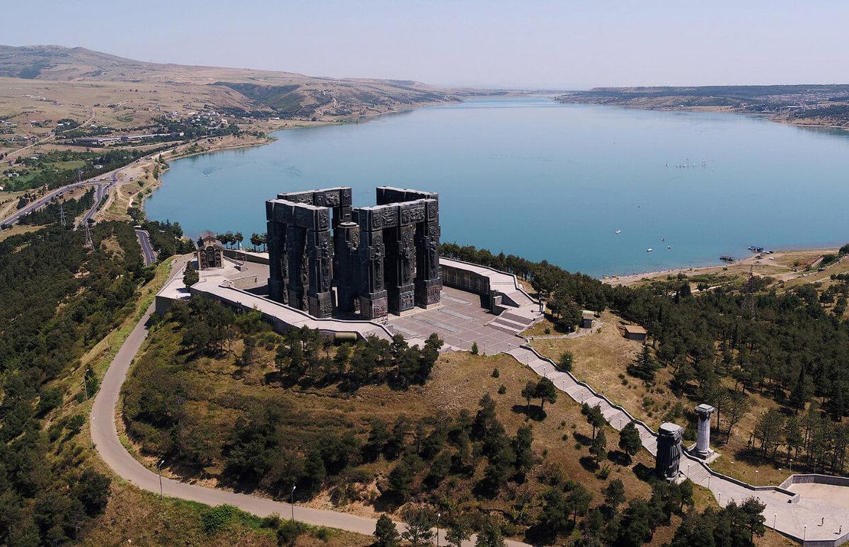 тбилиси гора возле тбилисского моря тэвз фото корабли, что