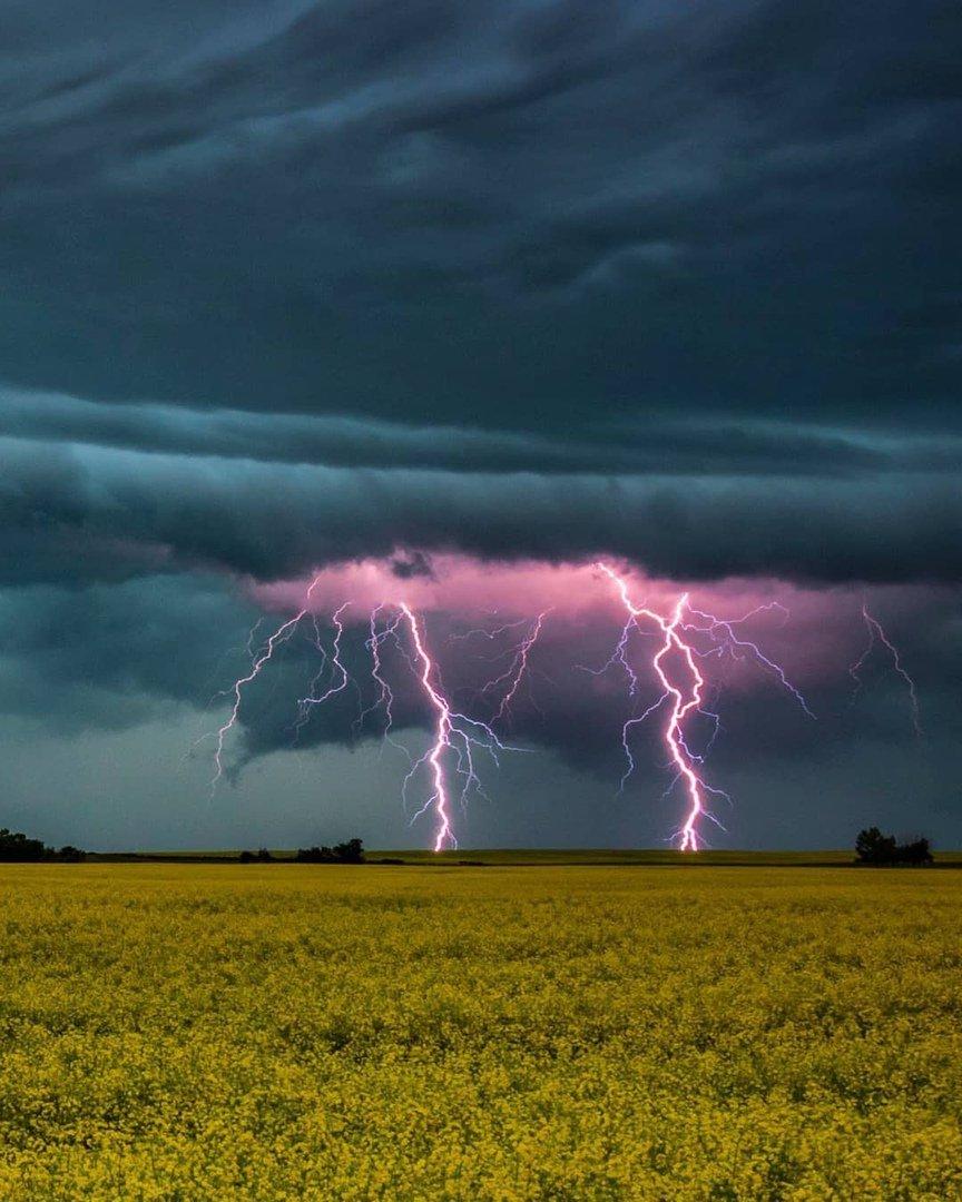 красивые картинки погодных явлений работе значительную роль