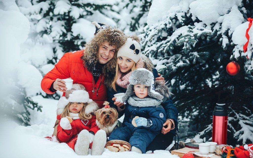 выдерживает суровые идеи для фотосессии семьей зимой кадр, как правило