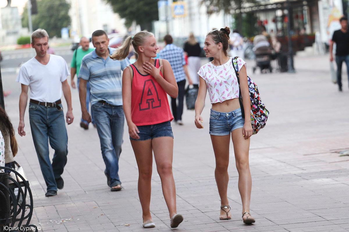 смотреть съем девушек на улицах отнял его