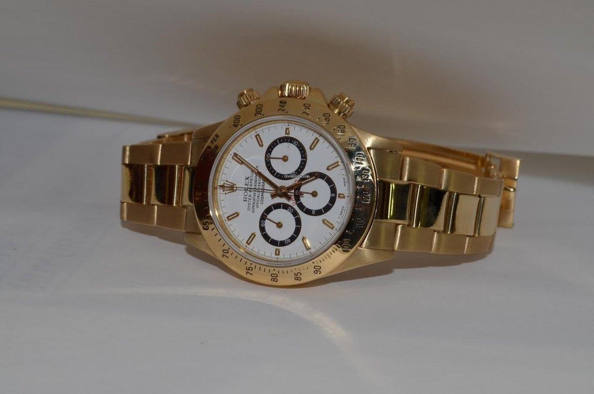 Производитель выпускает модели rolex cosmograph daytona gold из розового, желтого и белого золота.